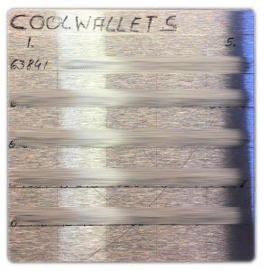 DIY Cold-Wallet - Mit wasserfesten Stift beschrieben